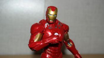 Marvel-Legends-Iron-Man-Review-6