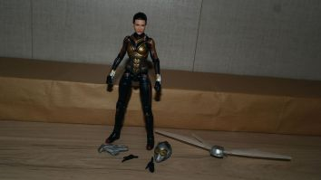 Marvel-Legends-The-Wasp-Review-11