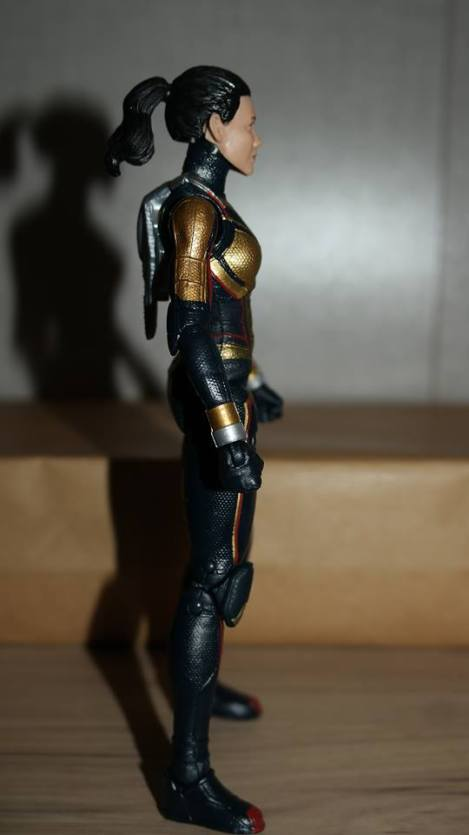 Marvel-Legends-The-Wasp-Review-5