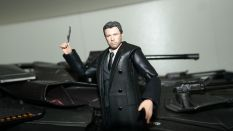FOTF Justice League Bruce Wayne Medicom Toy Mafex Review 7