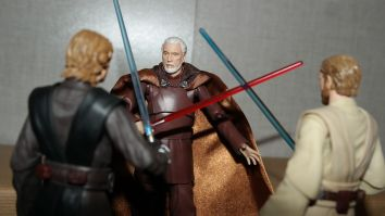 FOTF S.H Figuarts Star Wars Count Dooku Review 17