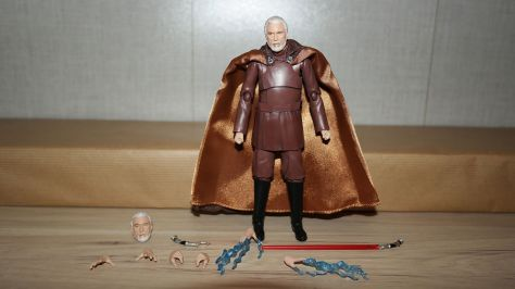 FOTF S.H Figuarts Star Wars Count Dooku Review 4
