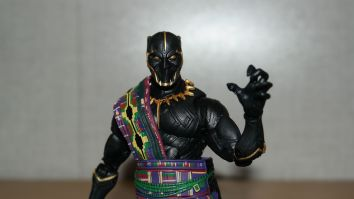 Marvel Legends Review | T'Chaka (Black Panther)
