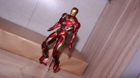 S.H Figuarts Iron Man Mark XLV (Avengers Age of Ultron) Review 6