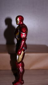 S.H Figuarts Iron Man Mark XLV (Avengers Age of Ultron) Review 7