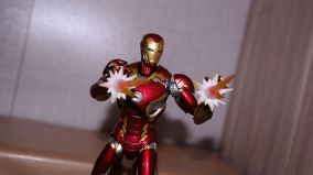 S.H Figuarts Iron Man Mark XLV (Avengers Age of Ultron) Review 9