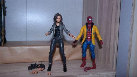 Marvel Legends Spider-Man and MJ Review 5