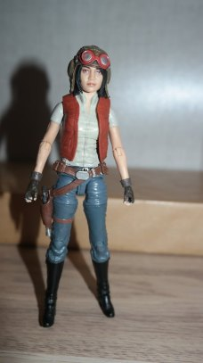 FOTF Star Wars The Black Series Doctor Aphra Review 9